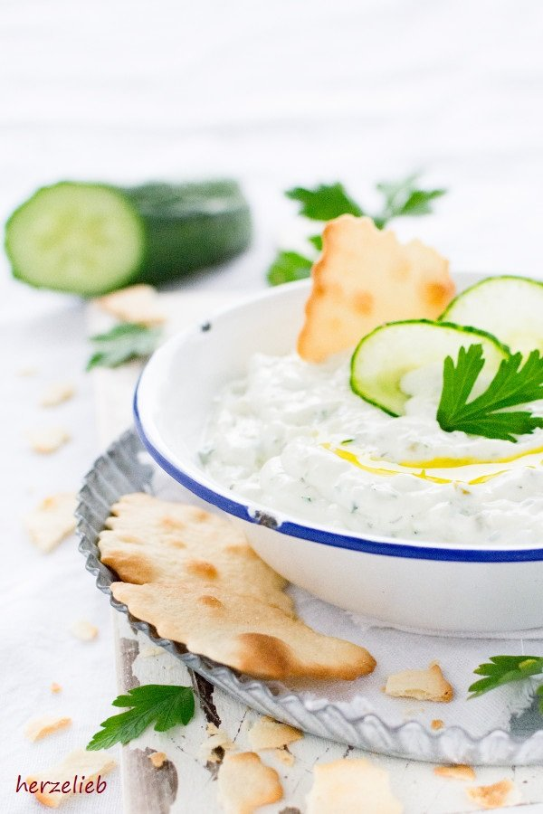 Rezept für selbstgemachtes Tzatziki von herzelieb. Einfach, leicht und lecker!