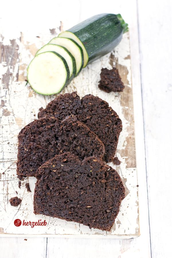 Rezept Schokoladen Zucchinkuchen von herzelieb Brownies Style