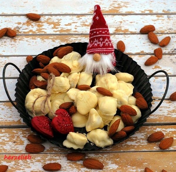 Weihnachten - ein Geschenk aus der Küche - Rezept für Schoko-Lakritz-Mandeln