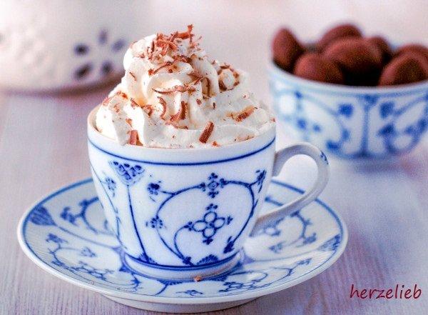 Pharisäer ist ddas traditionelle Kaffee-Getränk aus Nordfriesland. Das Rezept ist von herzelieb