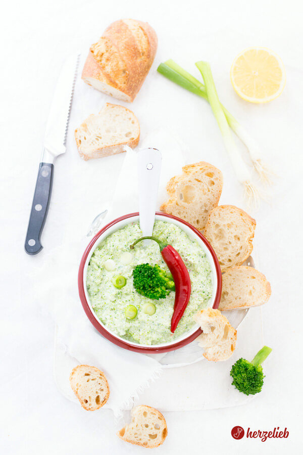 Brokkoli Dip - die Broccomole