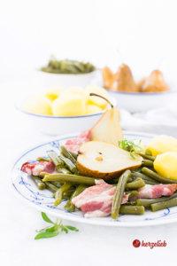 Birnen Bohnen und Speck mit Kartoffeln von herzelieb
