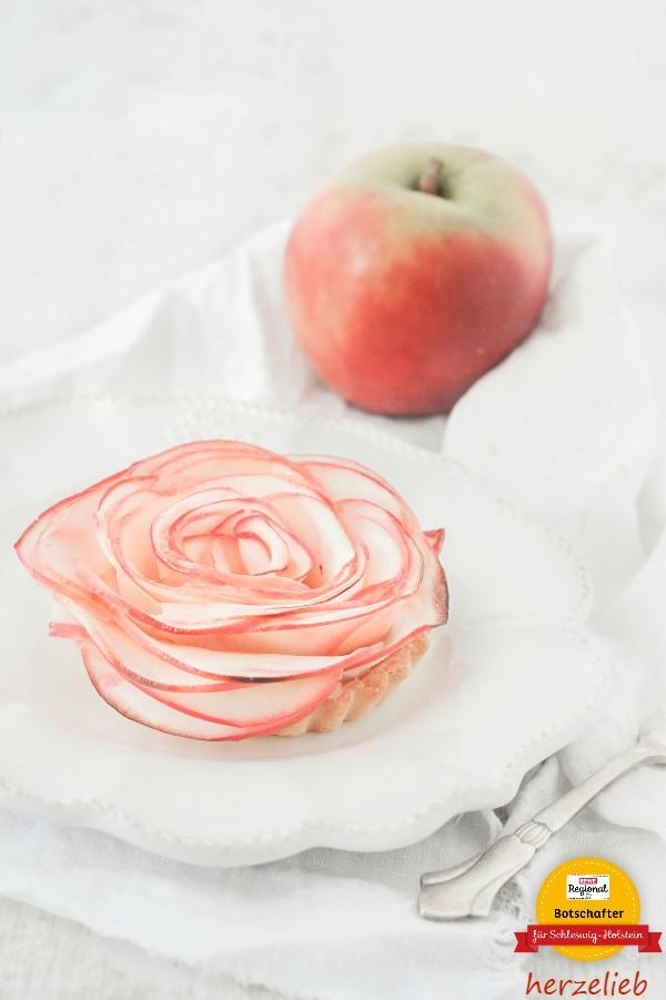 Apfelrosen Tartelettes. Dieses Rezept macht ein bisschen Arbeit, aber es lohnt sich!