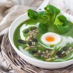 Rezept für eine Broccoli-Feldsalat-Suppe mit käse
