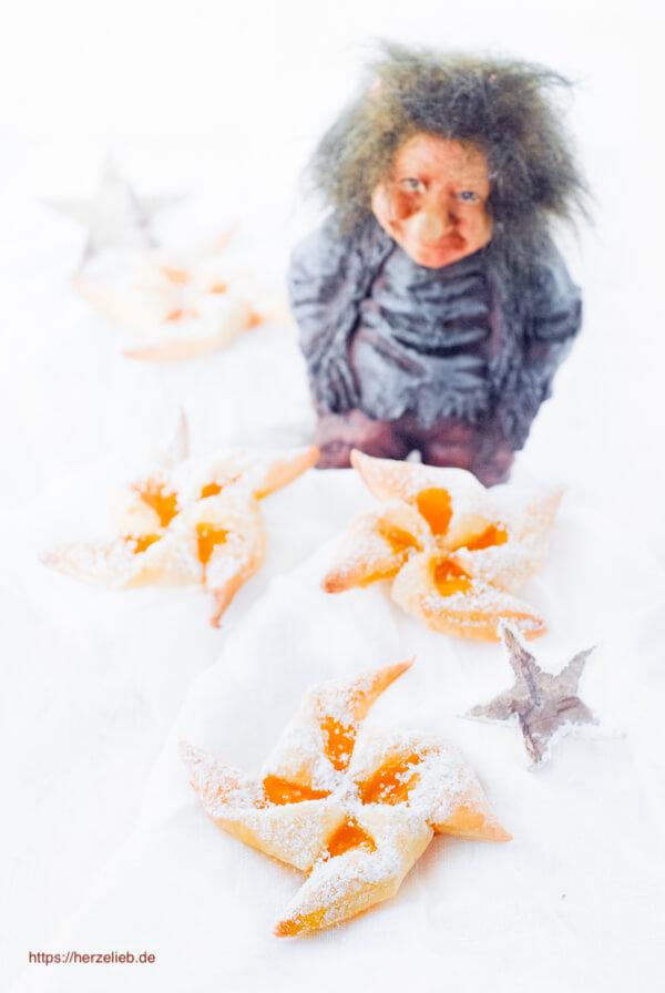 Joulutorttu - Weihnachtskekse aus Finnland Rezept von herzelieb