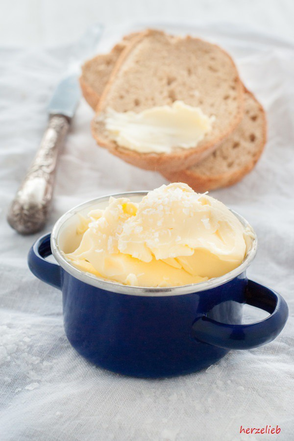 Anleitung für selbstgemachte Butter