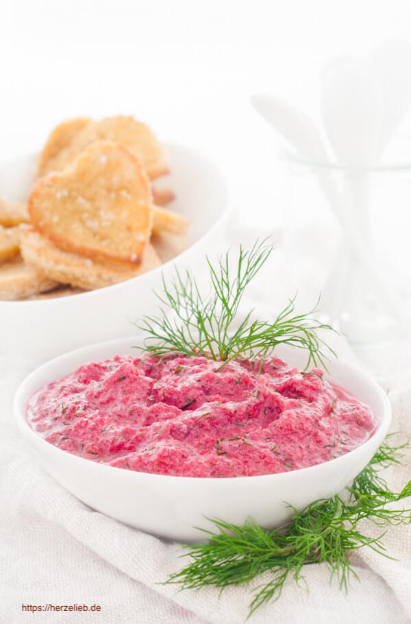 Rote Bete Tzatziki - Rezept für einen Dip zum Grillen
