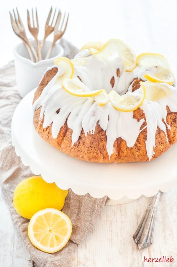 Mit diesem Rezept gelingt der beste Zitronenkuchen der Welt!