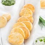 Die Kartoffelscones nach diesem Rezept schmecken gut zu Dips