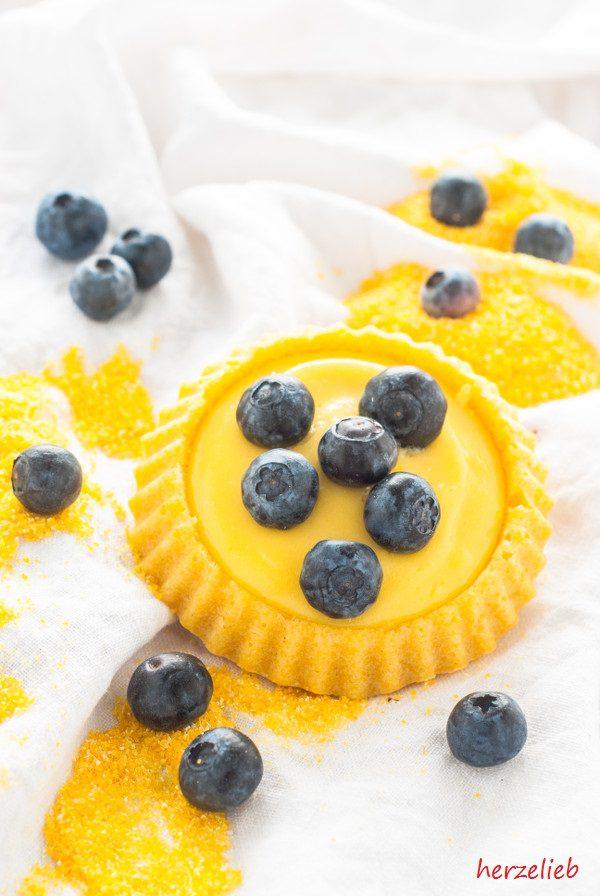 """Die Anregung für dieses Rezept für Polenta-Tartelettes mit Zitronen Curd stammt aus dem Buch """"einfach lecker"""" von Patrick Rosenthal"""