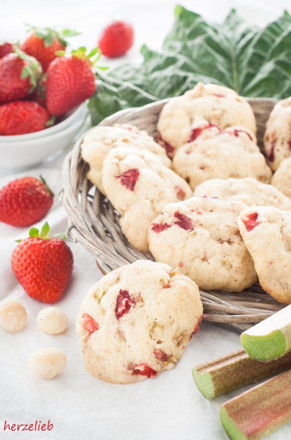 Herrlich frisch sind diese Rhabarber-Erdbeer-Kekse