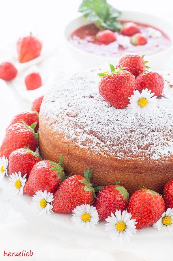 Kondensmilchkuchen mit Kompott - einfach lecker!