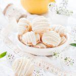 Saure-Sahne-Kekse sind herrlich zart und leicht zu backen!