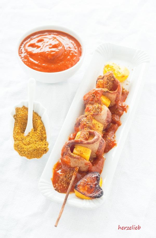 currywurst sticks snack mit selbstgemachter currysosse herzelieb. Black Bedroom Furniture Sets. Home Design Ideas