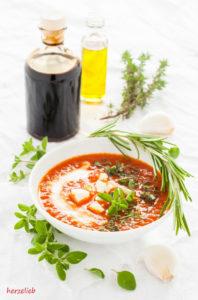 Rezept für Röstpaprika Suppe - Antipasti zum Löffeln