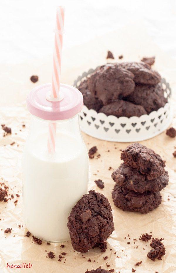 Rezept für leckere Zucchini-Kekse mit einer doppelten Portion schokolade. Innen soft!