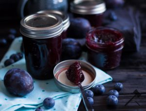 Zwetschgen-Heidelbeer-Marmelade von Law of baking
