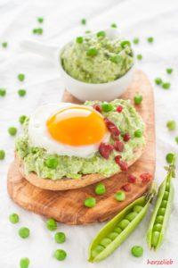 Toll mit Ei und Speck ist die Erbsencreme - Brotaufstrich nach herzelieb.
