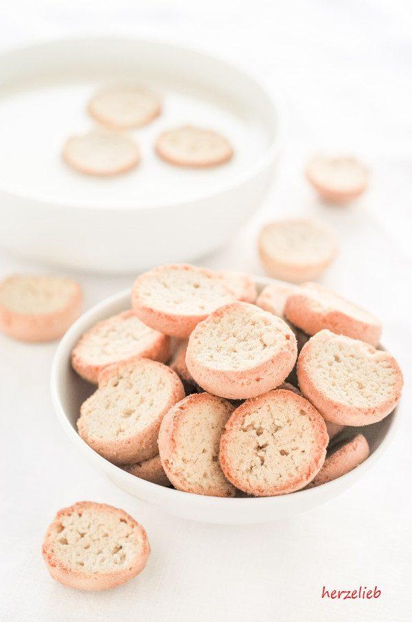 Kammerjunkere sind kleine Zwiebacke - zweimal gebacken! Zu Koldskål einfach großartig