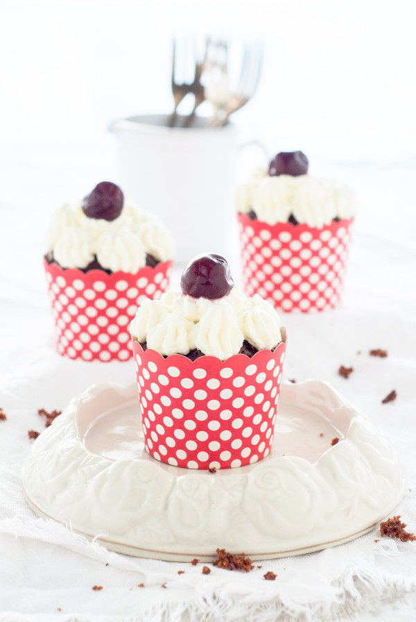 Ein Rezept für Schwarzwälder Kirsch Cupcakes