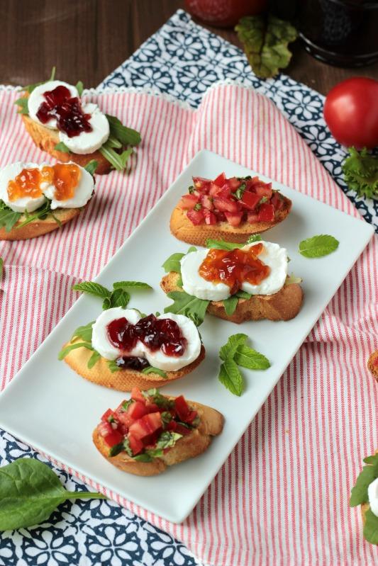 Ziegenkäse-Crostini mit Melonen- oder Johannisbeer-Gelee von Sasibella