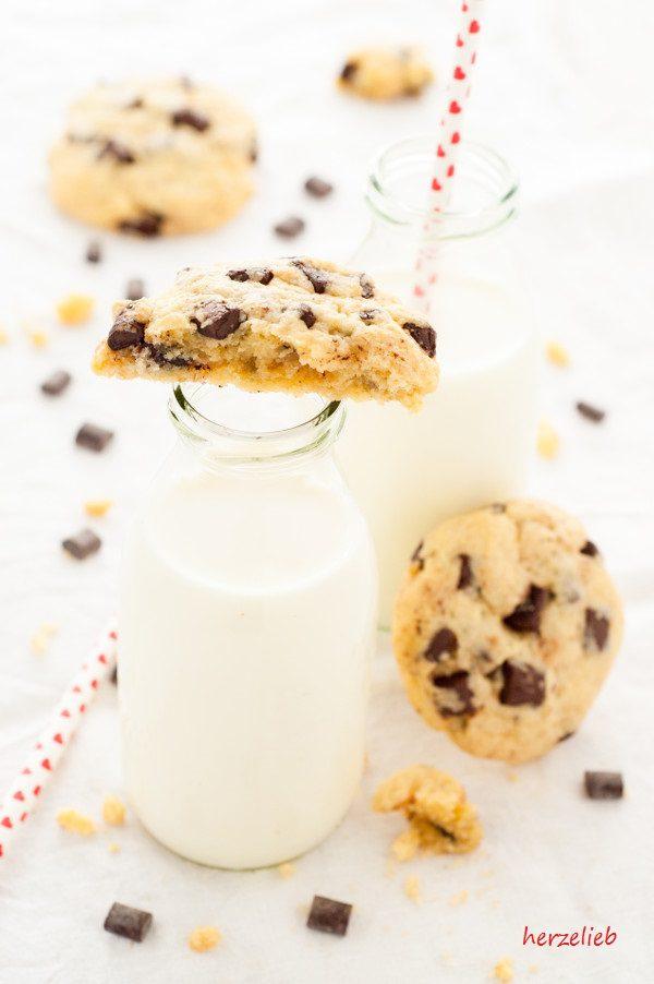 Rezept für saftige Chocolate Chip Cookies von herzelieb