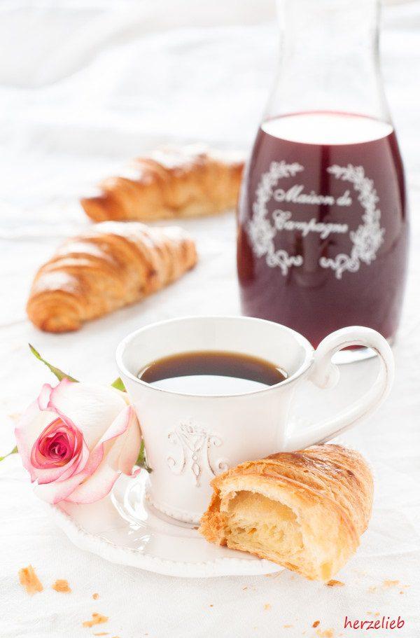 Ein wundervoller Morgen - mit französischen Croissants und frischem Käse