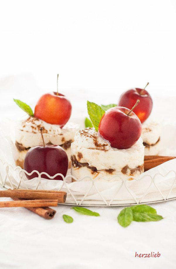 Kleine Äpfel sind eine tolle Deko für die Milchreis-Törtchen!