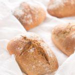Dinkel-Vollkornbrötchen - der Teig geht über Nacht im Kühlschrank