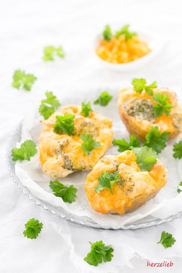Ofentkartoffel mit Broccoli - Rezept