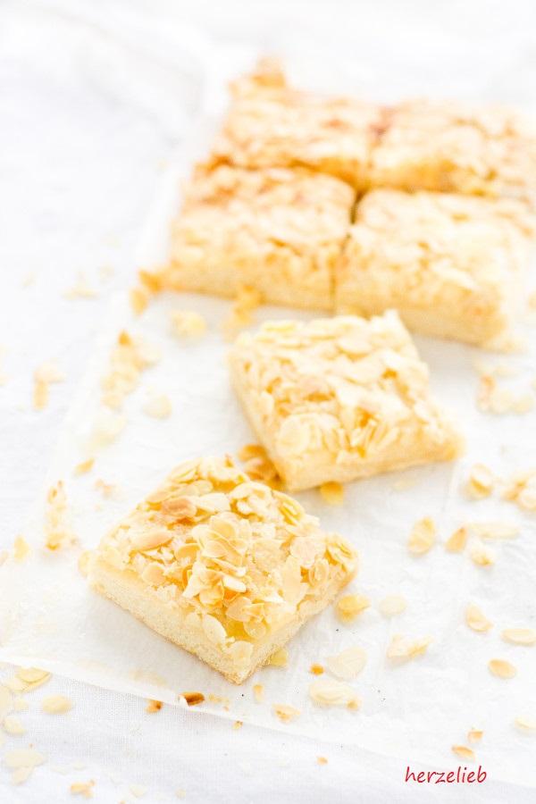 Butterkuchen mit Mandeln Stücke vom Blech