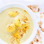 Es gibt viele Rezepte für Blumenkohlsuppe - mit Curry und Joghurt ist diese Blumenkohlsuppe mit Curry absolut genial.