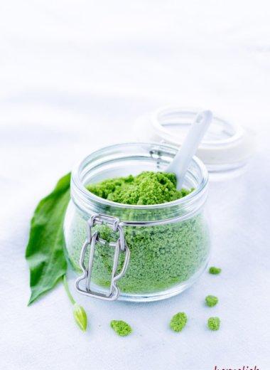Bärlauch Rezepte: Bärlauch-Salz selber machen ist gar nicht schwer - Rezept auf dem Blog von herzelieb