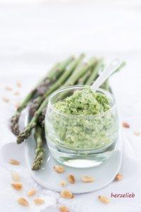 Spargel Pesto Rezept - einfach, leicht, schnell und unfassbar lecker