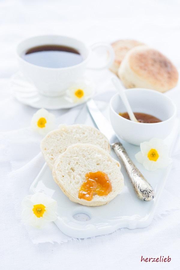 Ein Rezept zum Nachmachen! Toasties oder English Muffins. Auf Vorrat backen lohnt sich!