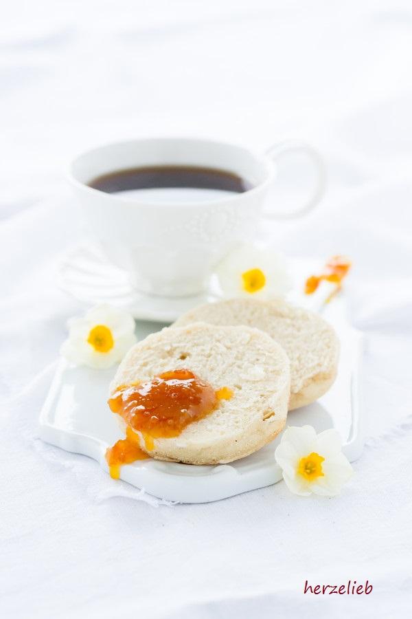 Toasties sind schnell gebacken und sie lassen sich super einfrieren.. Mit diesem Rezept ist das Frühstück gerettet!