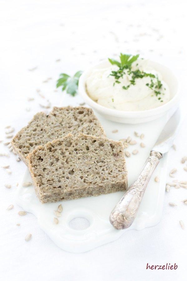 Rezept für Buchweizen Brot, ohne Hefe  und vegan.