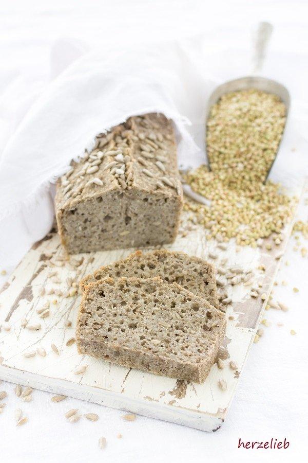 Fermentiertes Buchweizen-Brot - glutenfrei und vegan von herzelieb