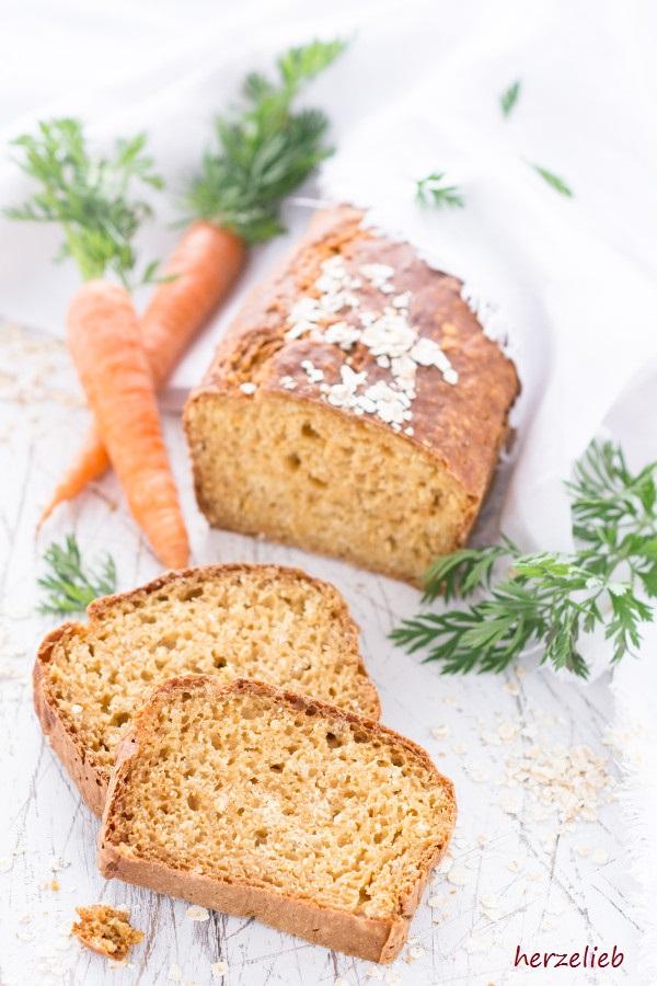 Morotslimpa – schwedisches Karottenbrot mit dunklem Sirup (Brot)