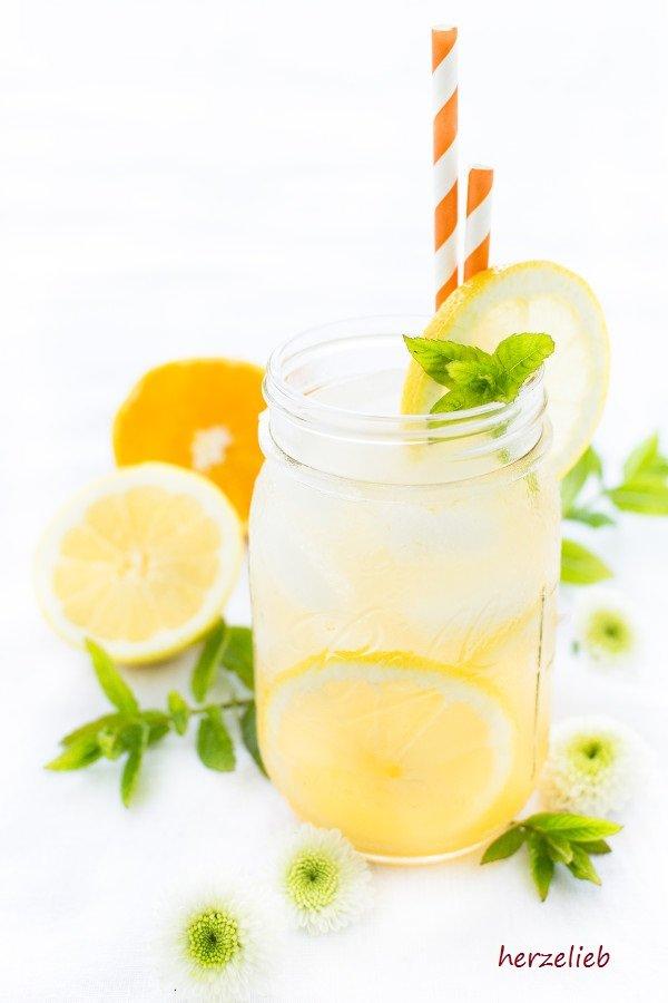 Sommer Getränk - Rezept für Switchel mit Orangensaft von herzelieb