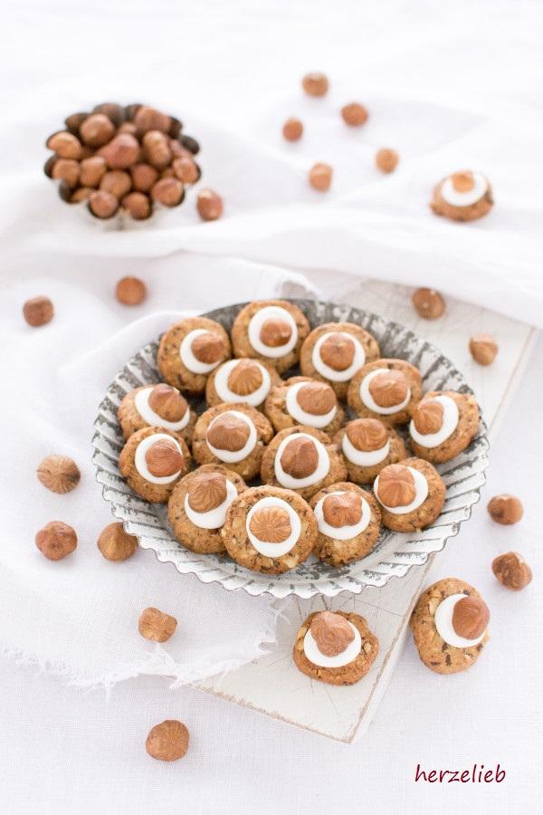 Besondere Weihnachtsplätzchen Rezepte.Haselnuss Kekse Mit Cappucino Und Tuff Herzelieb