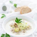 Das ideale Partyfood - Rezept für eine Käse-Lauchsuppe mit Hackfleisch von herzelieb