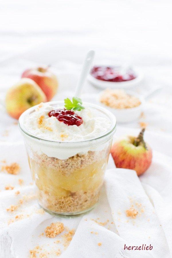 Æblekage - ein klassisches und traditionelles Rezept aus Dänemark von herzelieb