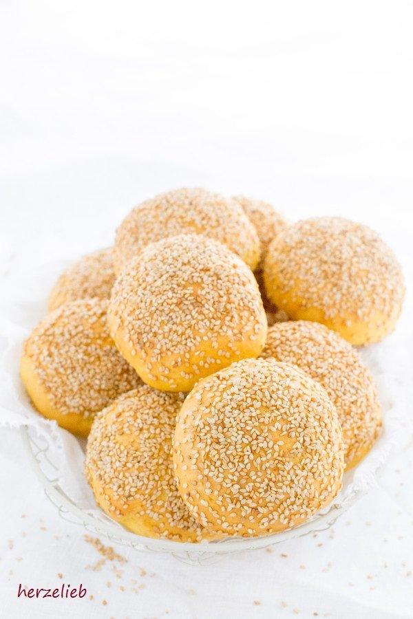 Gyldne Boller - dänischen Brötchen, Rezept von herzelieb