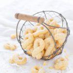 Rezept für Kekse aus dem Norden. Eierkringel aus Nordfriesland sind superzart und mürbe