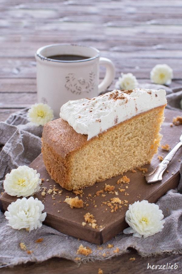 Irish Cream Kuchen mit beschwiptsten Topping