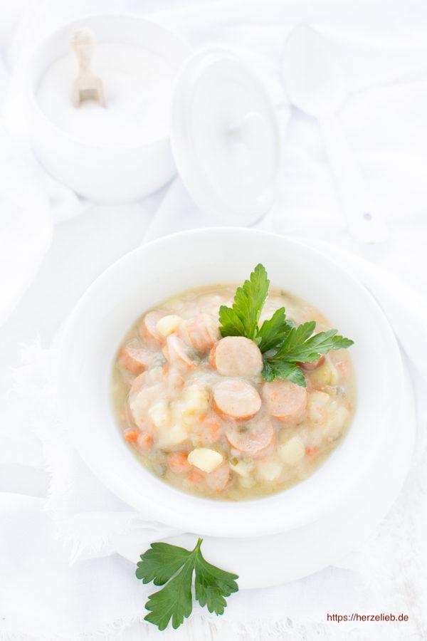 Ein Rezept für klassische Kartoffelsuppe von herzelieb