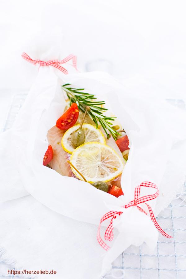 Fischpäckchen - Rezept für Seelachs lecker verpackt