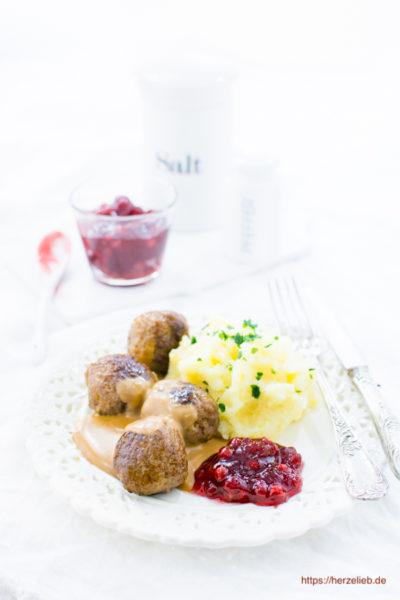 Köttbullar Rezept – Schwedisches Lieblingsgericht ganz einfach!