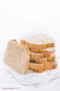 Weizen-Vollkornbrot in Scheiben - Rezept von herzelieb